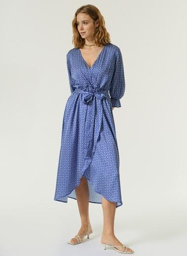 NGSTYLE NGSTYLE Kadın Geometrik Desenli Saten Dokulu Anvelo Elbise Mavi